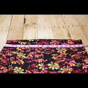 LuLaRoe Pants - LuLaRoe TC2 Neon Floral Leggings